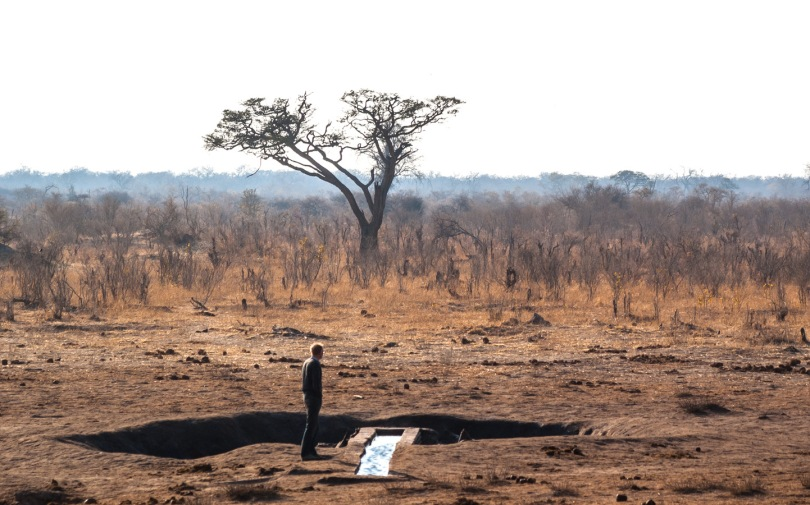 Hwange waterhole, Zimbabwe (photo: Jochem van der Zaag)